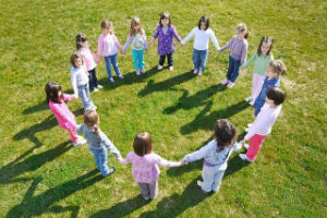 Children Circle shutterstock 94694521 300 200